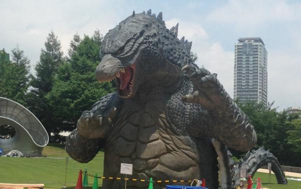 巨型 哥斯拉 雕塑本周降临东京